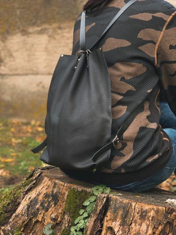 valódi bőr, hátizsák, összehúzós, fekete, egyedi, kézzel készült