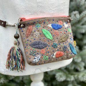 gyapjú, hímzés, újrahasznosított, övtáska, hasitasi, egyedi, kézzel készült, hímzett, kézi hímzés